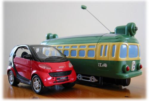 「江ノ電のラジコン&スマートのプルバックカー」